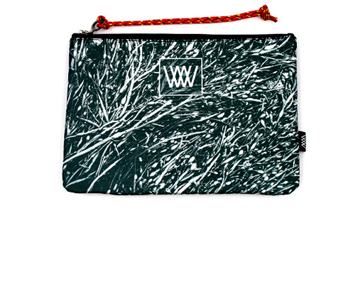 Wild by Water's SPorty Clutch - Mono Seaweed