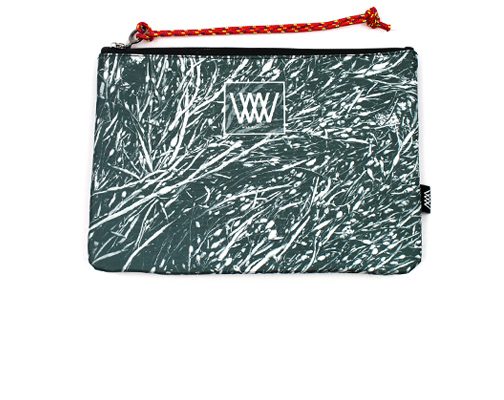 "Wild By Water Bags - Wild By Water Sporty Clutch ""Mono Seaweed"""