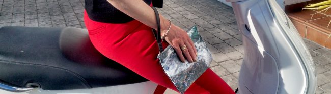 Wild by Water Seaweed Clutch